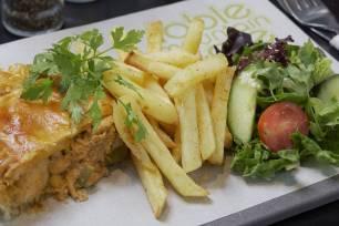 Pie_Chips__Salad_1198_799_70_s